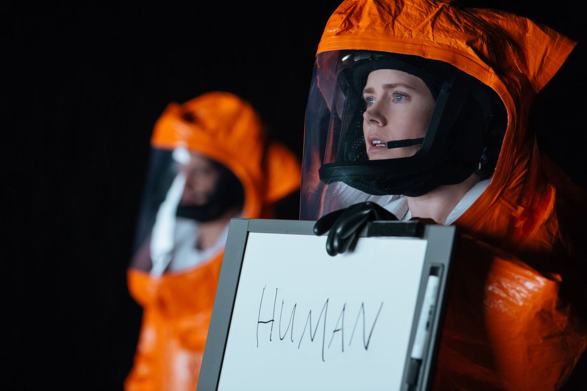 Amy Adams communicates with aliens in Arrival