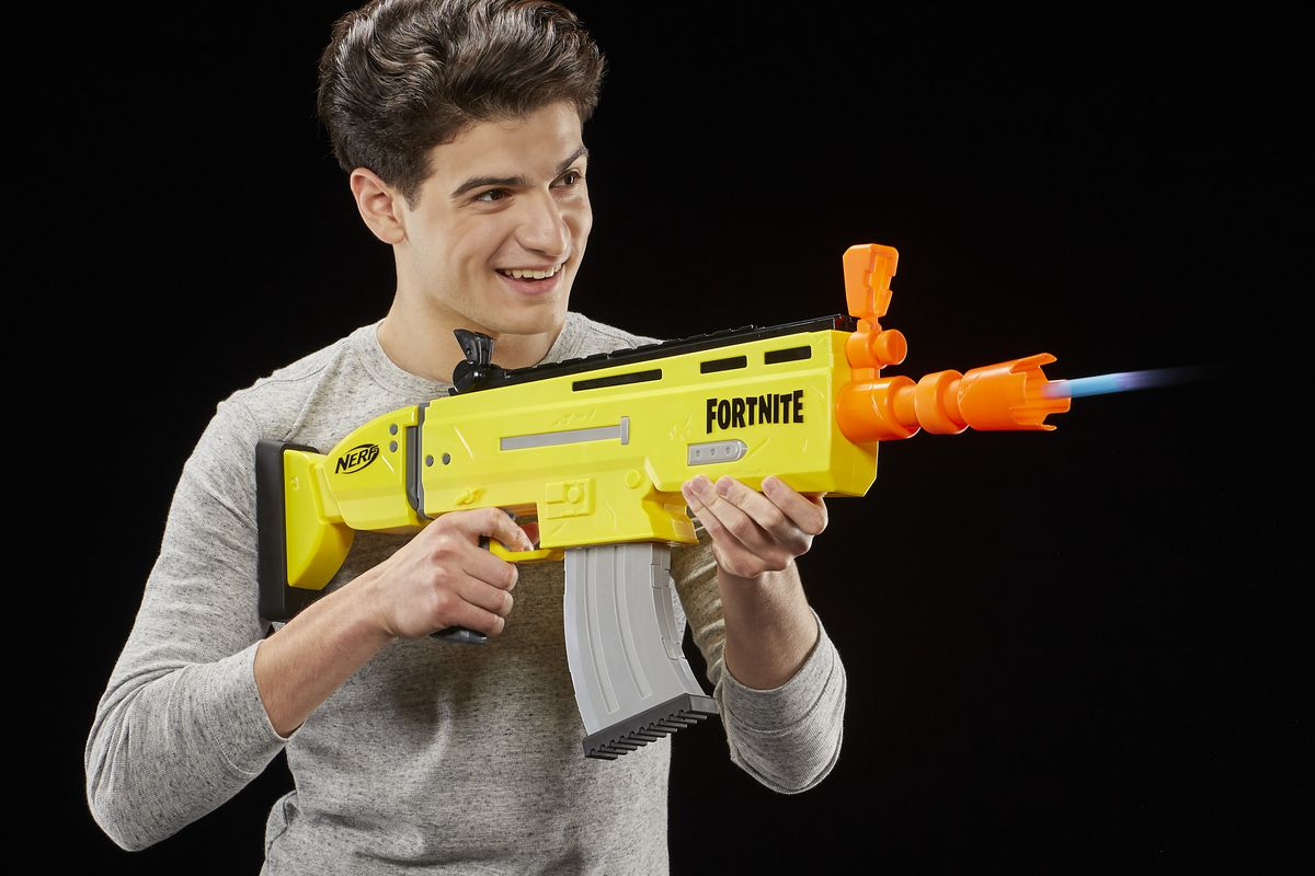 Fortnite S Nerf And Super Soaker Blasters Are Here Ready