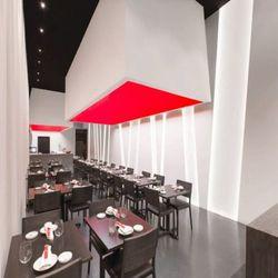 YOJISAN SUSHI (Beverly Hills, CA) designed by Dan Brunn Architecture  photo by Taiyo Watanabe