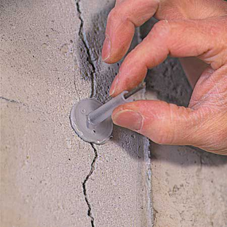 Attaching Injection Port in Cracked Concrete