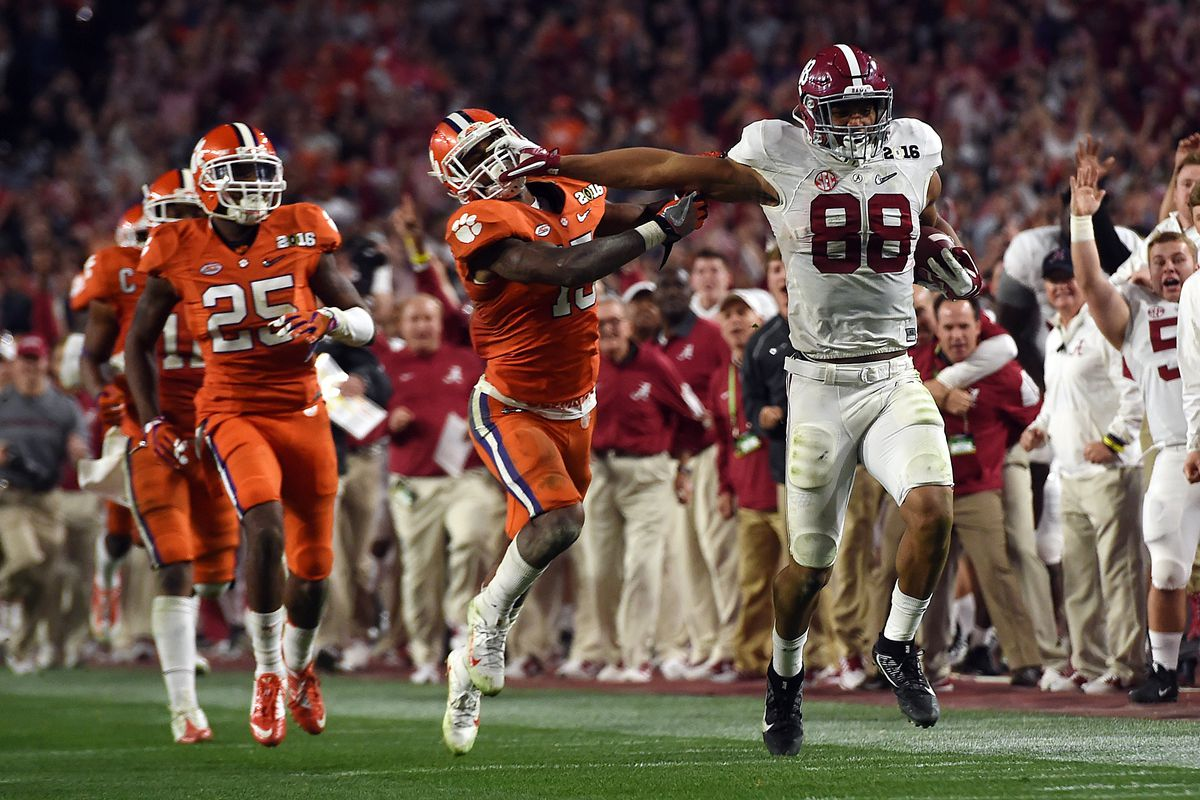 size 40 361c3 a4586 Bama's O.J. Howard went from looking like a 5-star bust to ...
