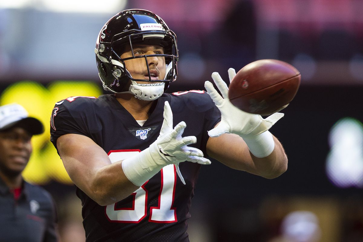 Austin Hooper #81 of the Atlanta Falcons catches a pass prior to the start of the game against the Seattle Seahawks at Mercedes-Benz Stadium on October 27, 2019 in Atlanta, Georgia.