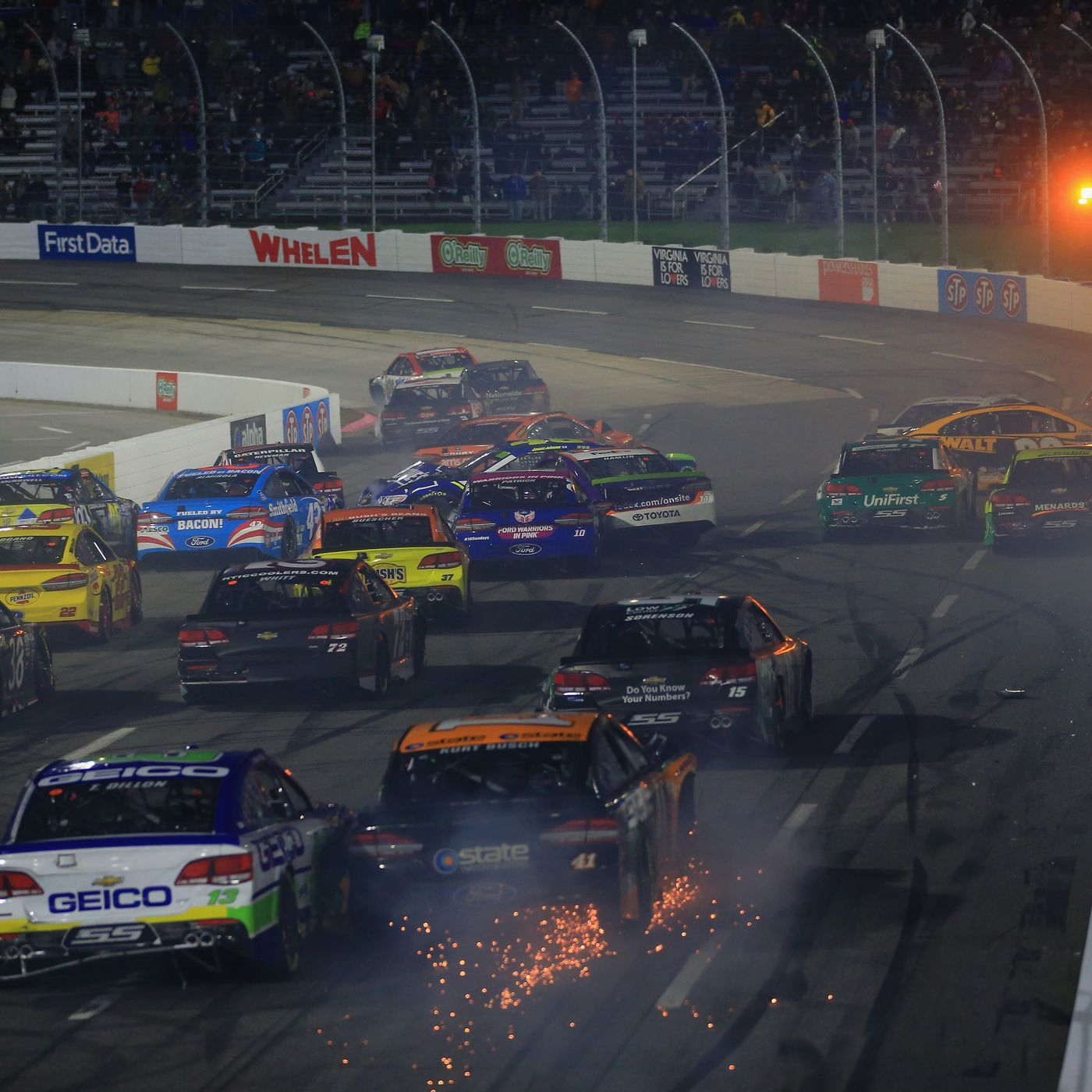 Nascar At Martinsville Takeaways Denny Hamlin Chase Elliott 3 Way Switch Menards Altercation Gives The Playoff Drama It Wants
