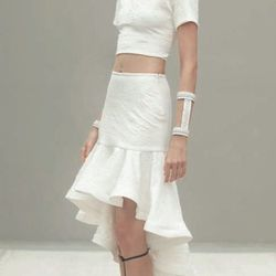 "Oliver skirt, <a href=""http://www.shopsplash.com/clothing/alexis-olivier-skirt.html"">Alexis</a> $308,"