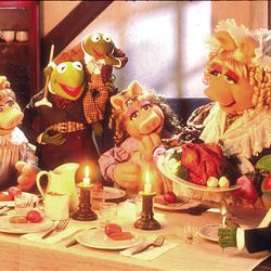 """Kermit and Miss Piggy star in 1992's """"The Muppet Christmas Carol."""""""