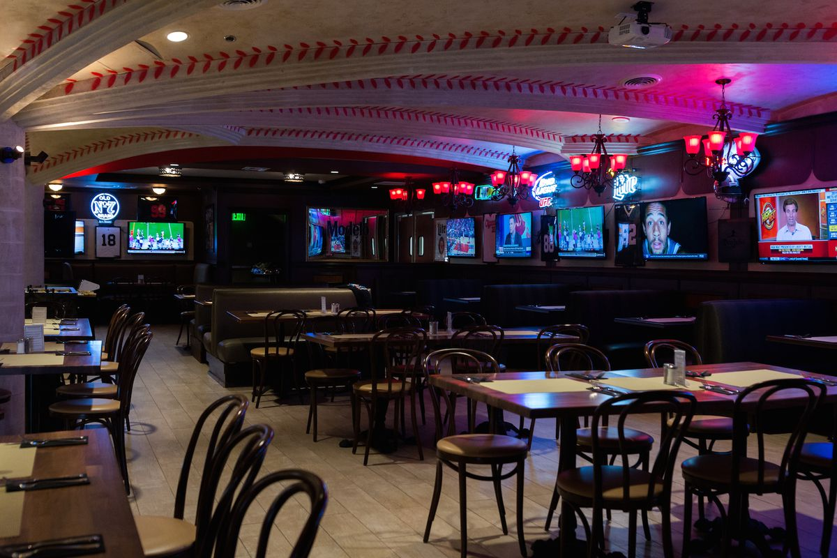 Pete Rose Bar & Grill