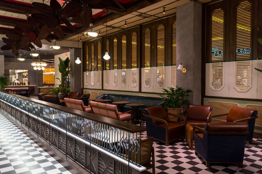 Take A Trip To Havana At The Venetian S Sugarcane Raw Bar