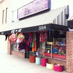 """Your next stop is <a href=""""http://www.junkforjoy.com/"""">Junk for Joy</a> (3314 W Magnolia Blvd), a wonderful and wacky wonderland of all things retro and kitsch. Find everything from 1950s cummerbunds, flapper girl costumes and much, much more at this quir"""