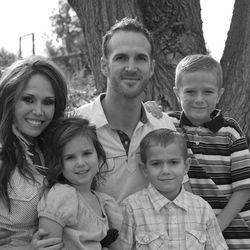 Jamie and Nicholas Hilton pose with their children, from left, Andelin, Graeson and Maguire.