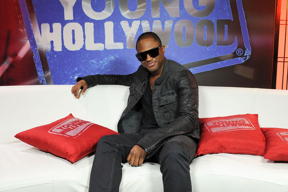 Taio Cruz Visits Young Hollywood Studios