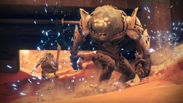 Fighting an Ogre in <em>Destiny 2: Warmind</em>'s Escalation Protocol.