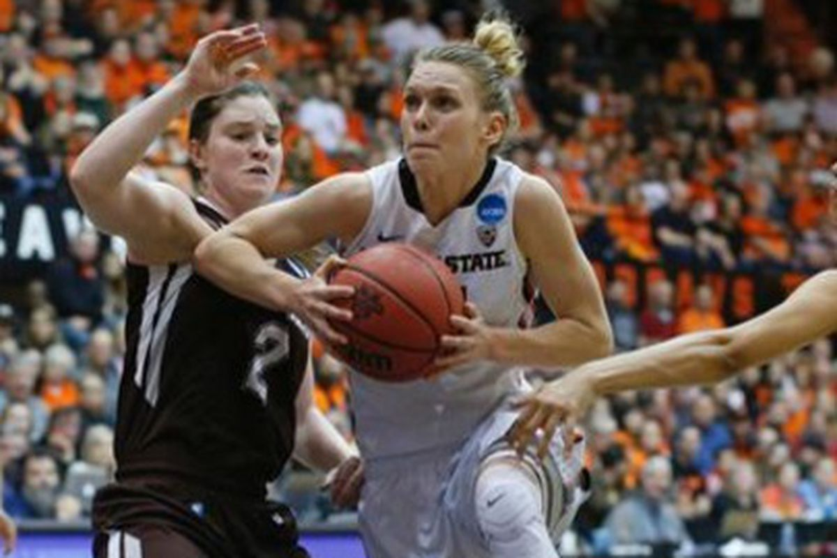 Jamie Weisner led Oregon State as they ran by St. Bonaventure to advance the Sweet 16.