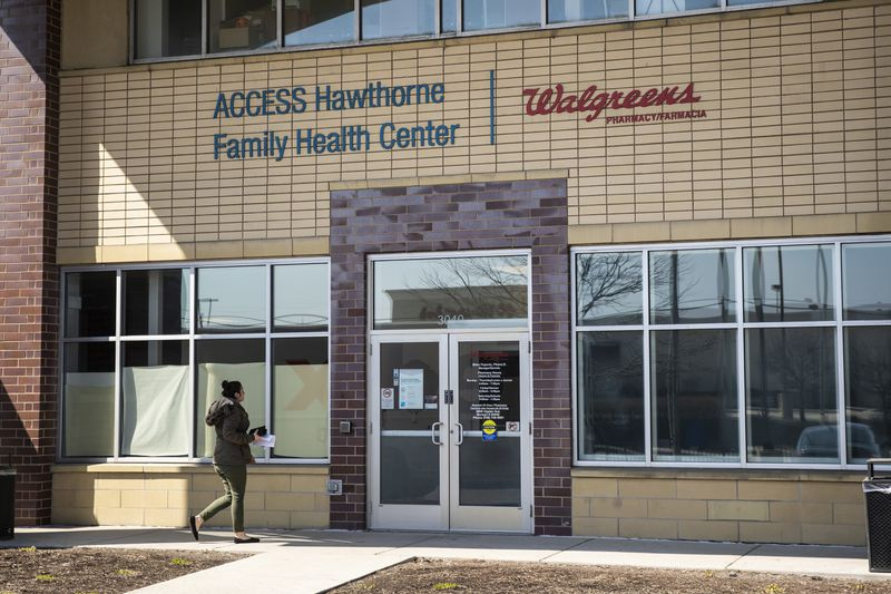 Access Hawthorne Family Health Center, 3040 S. Cicero Ave. in Cicero, Wednesday morning, March 25, 2020.