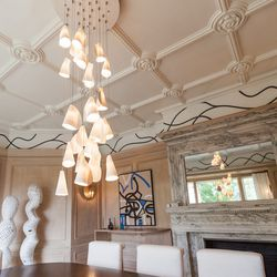 """The painted wall pattern above the panels was inspired by Sol Lewitt's site specific room installations. [Photo by <a href=""""http://www.patriciachangphotography.com/"""">Patricia Chang</a>]"""