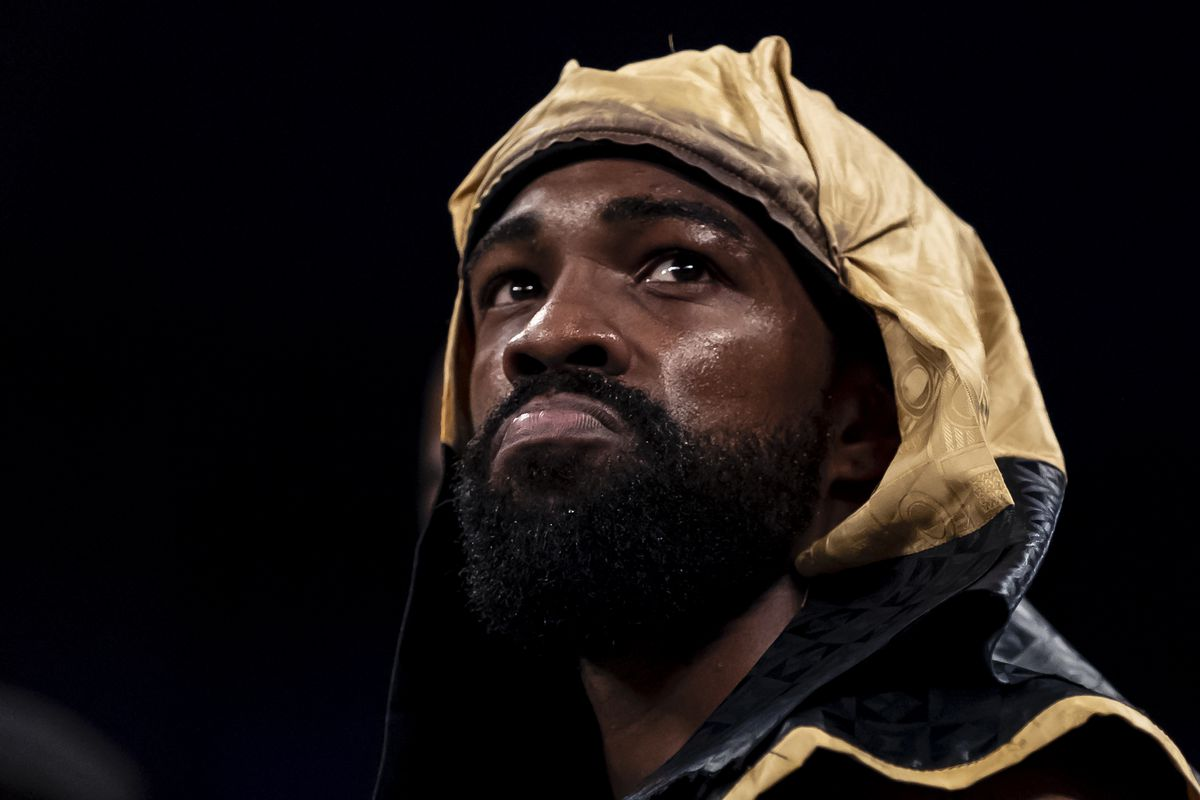 Gary Russell Jr. threatens Leo Santa Cruz, says he can touch his father