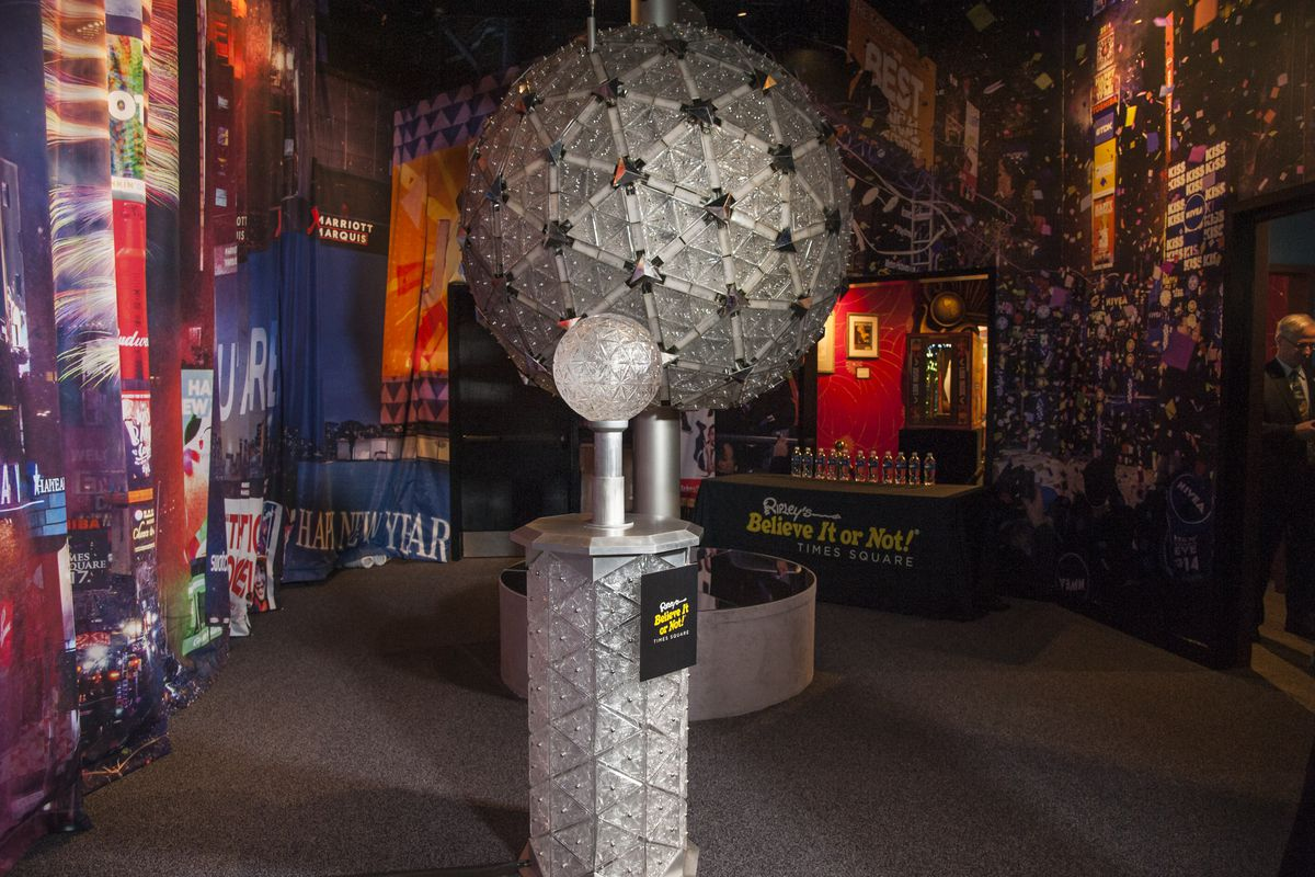 Groundhog Staten Island Chuck Unveils New Interactive Exhibit Featuring Original Times Square New Year's Eve Centennial Ball