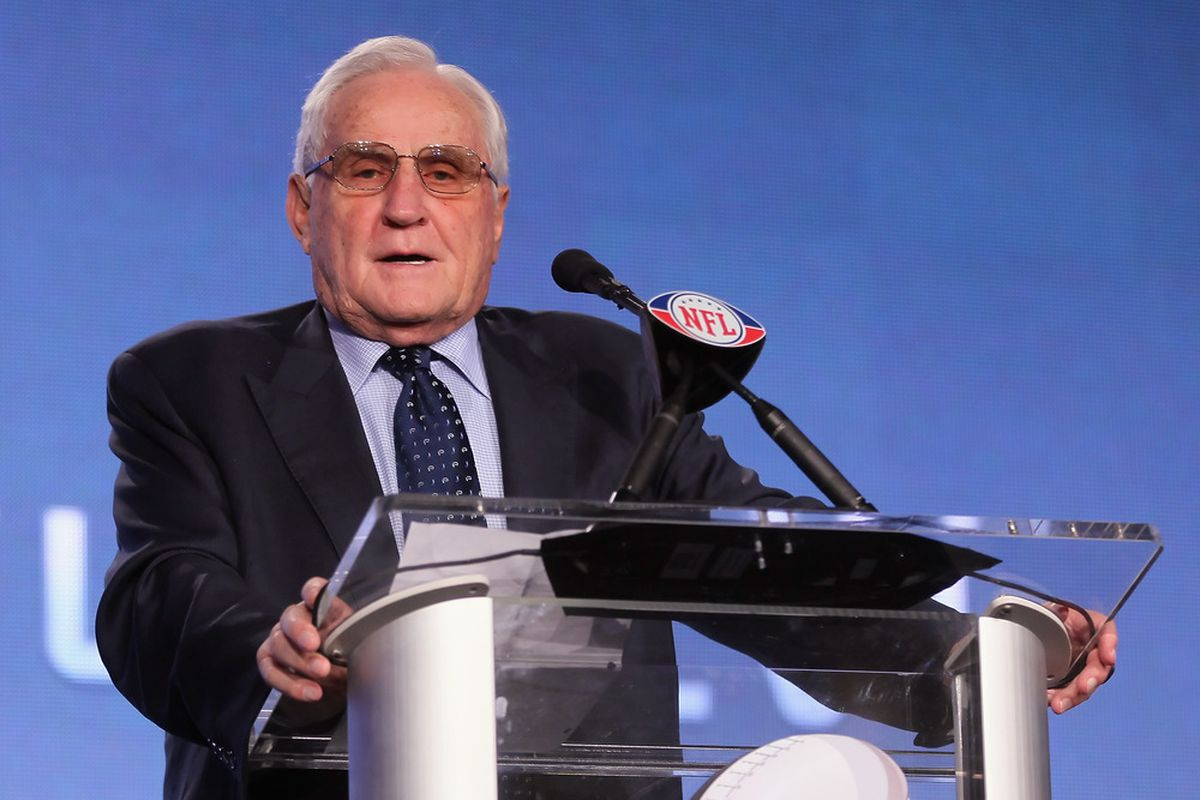 Just remember boys and girls, Don Shula sees you and he knows what you have been up to!  (Photo by Jeff Gross/Getty Images)