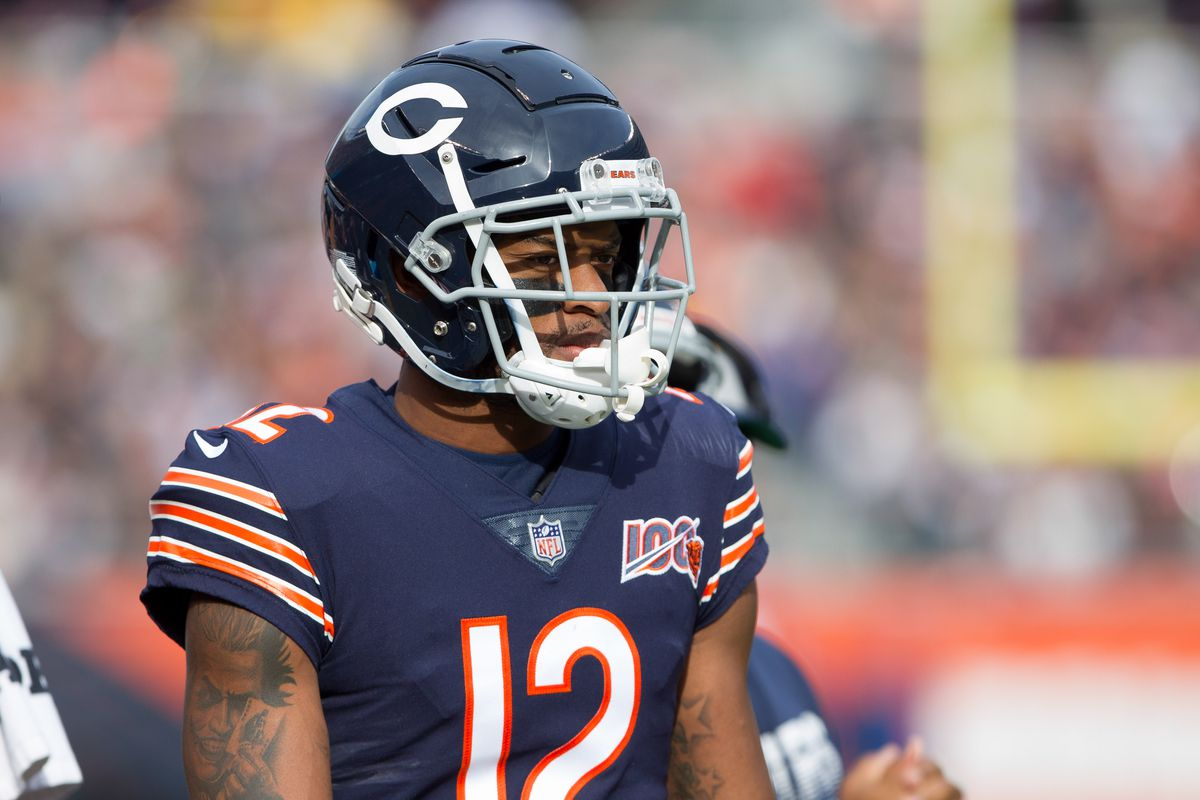 Chicago Bears wide receiver Allen Robinson warms up prior to the game against the New York Giants at Soldier Field.