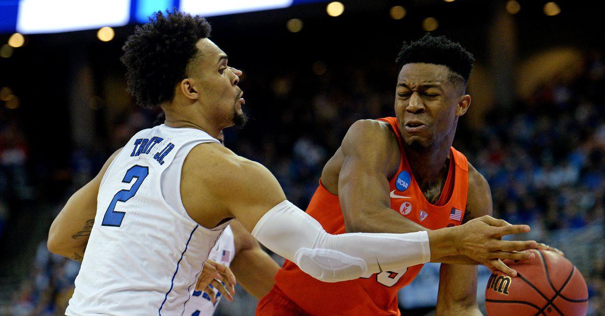 2018 NCAA Tournament: Duke Survives Syracuse, 69-65