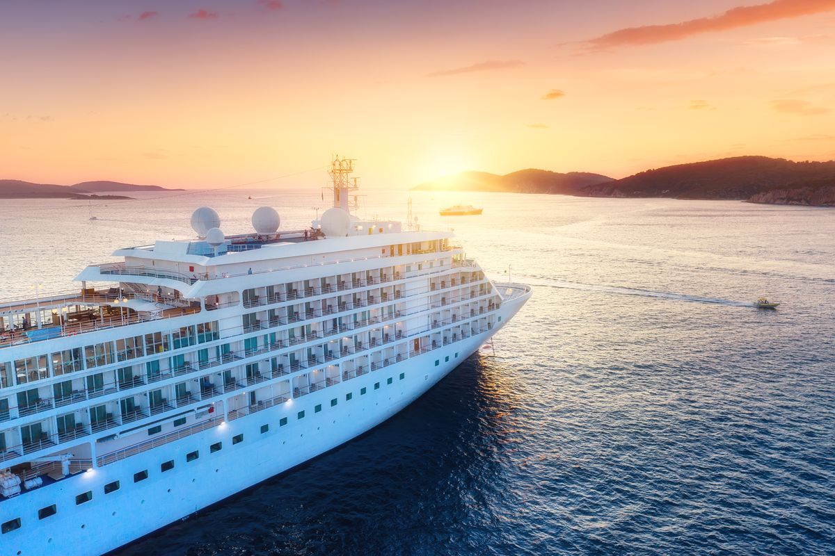 Cruise ships that are part of the Cruise Lines International Association will now deny boardingto anyone who has been in close contactwith or helped tocarefor someone suspected or diagnosed with coronavirus. Thosewho are being monitored for potential exposure to the virus are also to be turned away.