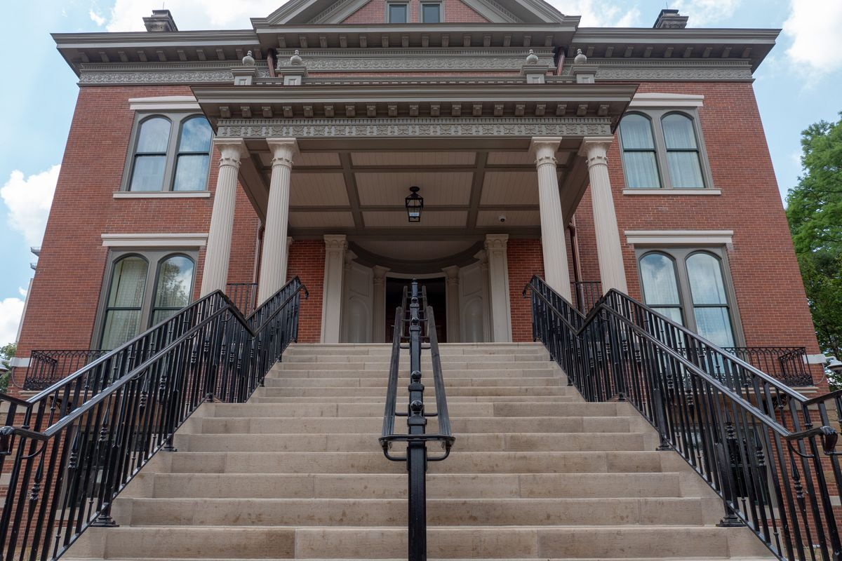 Looking up the entryway to the Illinois Governor's Mansion. Provided photo.