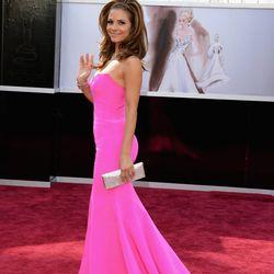 Maria Menounos in hot pink Romona Keveza.
