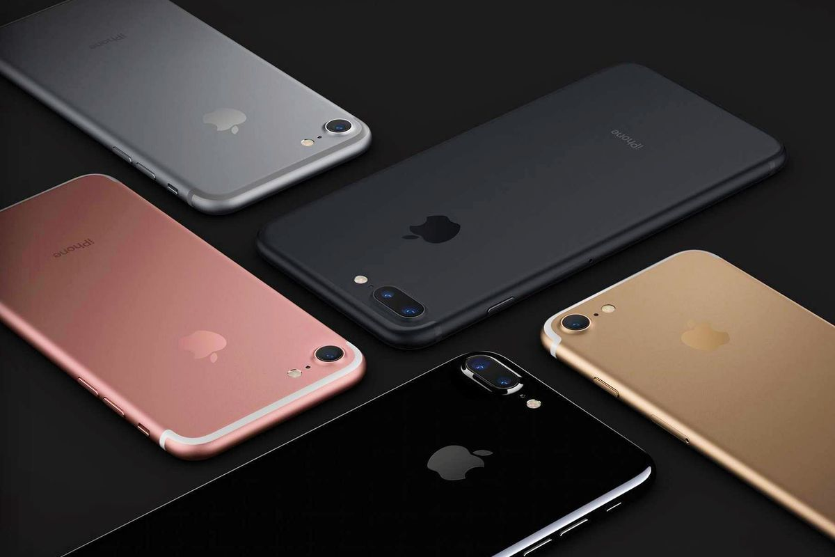 Apple won't have any iPhone 7 Plus models for sale in stores on Friday