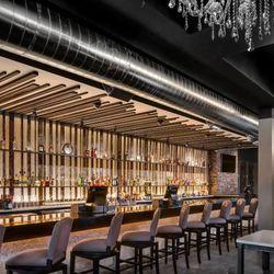 The bar at Henke & Pillot