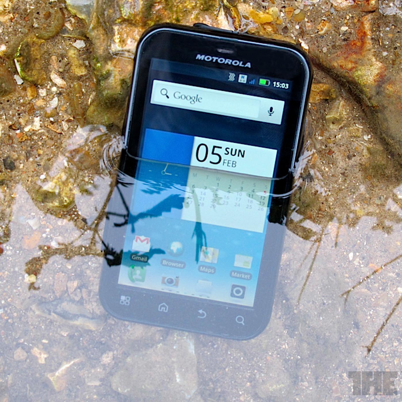 Motorola Defy+ review - The Verge