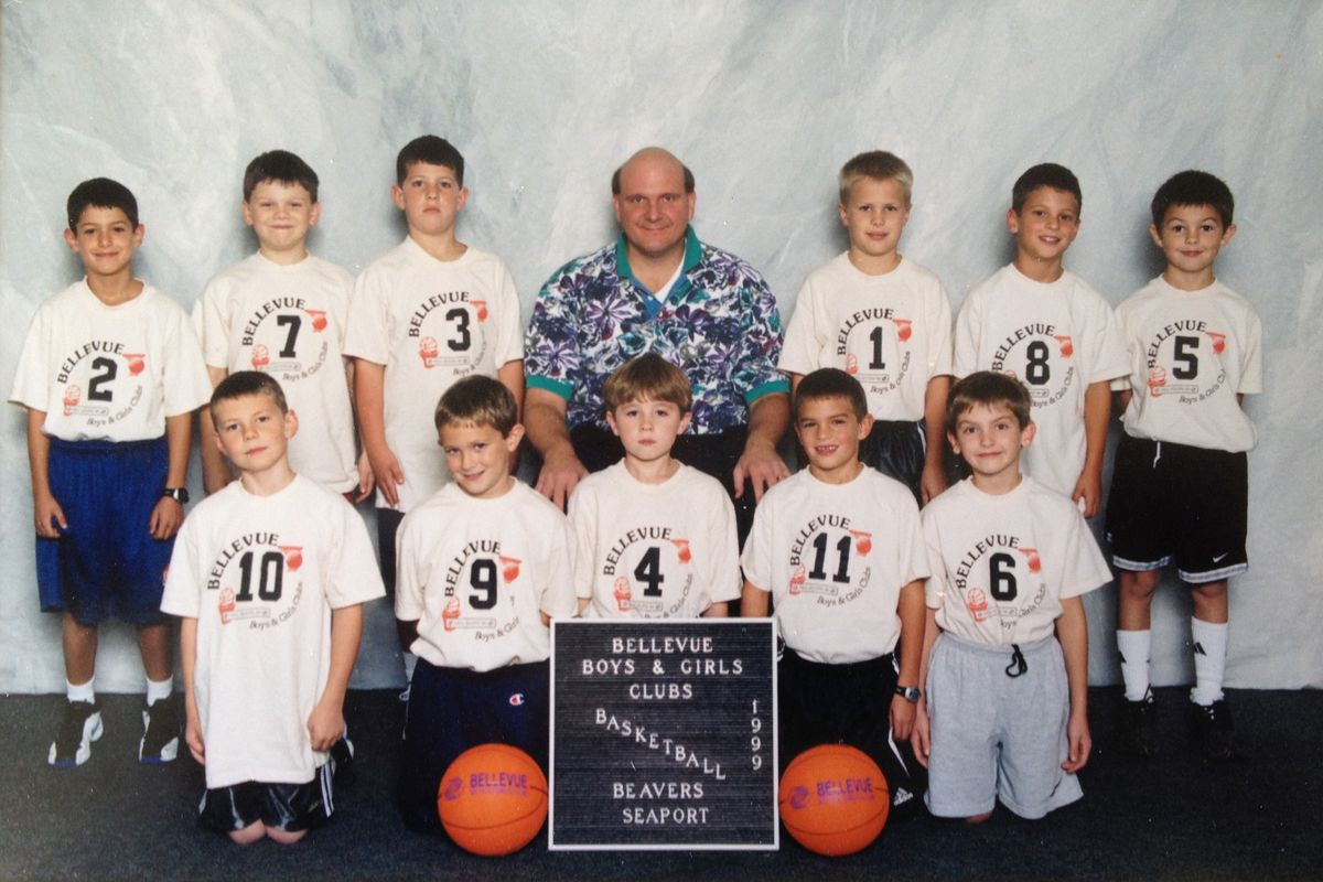 Steve Ballmer with the 1999 Bellevue Beavers, including the author of this piece, Zach Schwartz