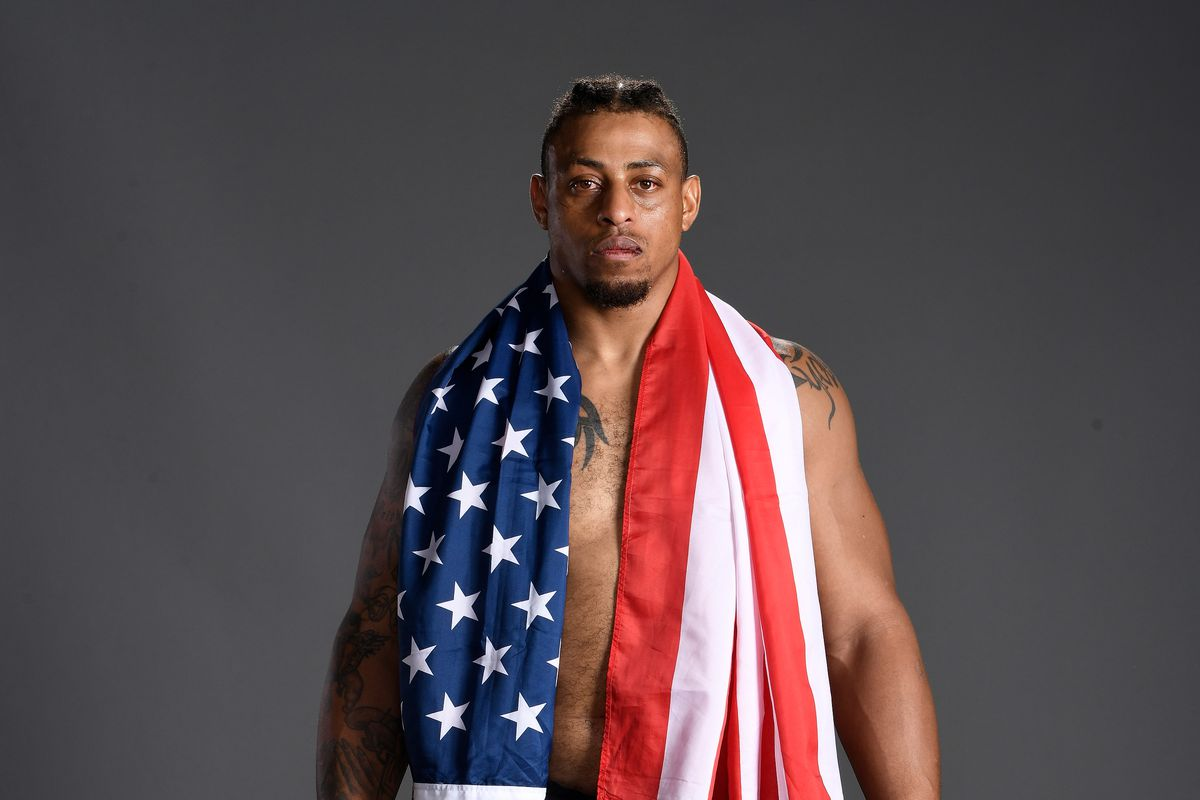 Report: Greg Hardy gets new date, new opponent for next fight