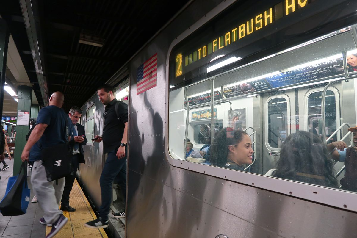 The best and worst cities in America for public transportation, according to an urban planner