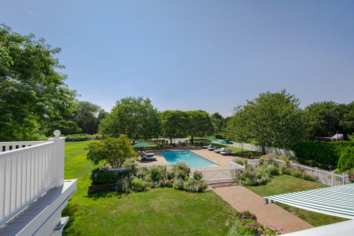 Southampton Compound With Three Acres Comes On The Market Asking 25m Curbed Hamptons