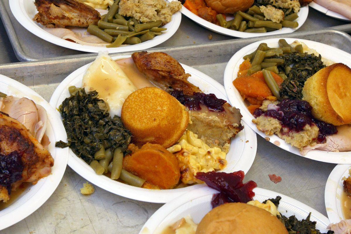 Chicago Police Host Thanksgiving Feast For Seniors