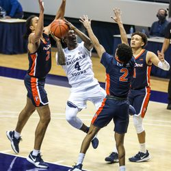 Brigham Young Cougars guardBrandon Averette (4) gets ready to shoot over the Pepperdine Waves at the Marriott Center in Provo on Saturday, Jan. 23, 2021.