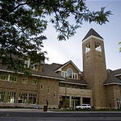 New Hinckley Alumni and Visitors Center