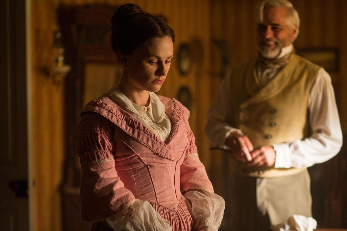 Anna Paquin as Nancy Montgomery in Alias Grace.