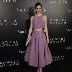 Krysten Ritter, who arrived at the event wearing a Katie Ermilio ensemble, remembered having security guards around the first time she wore Van Cleef & Arpels on the red carpet.