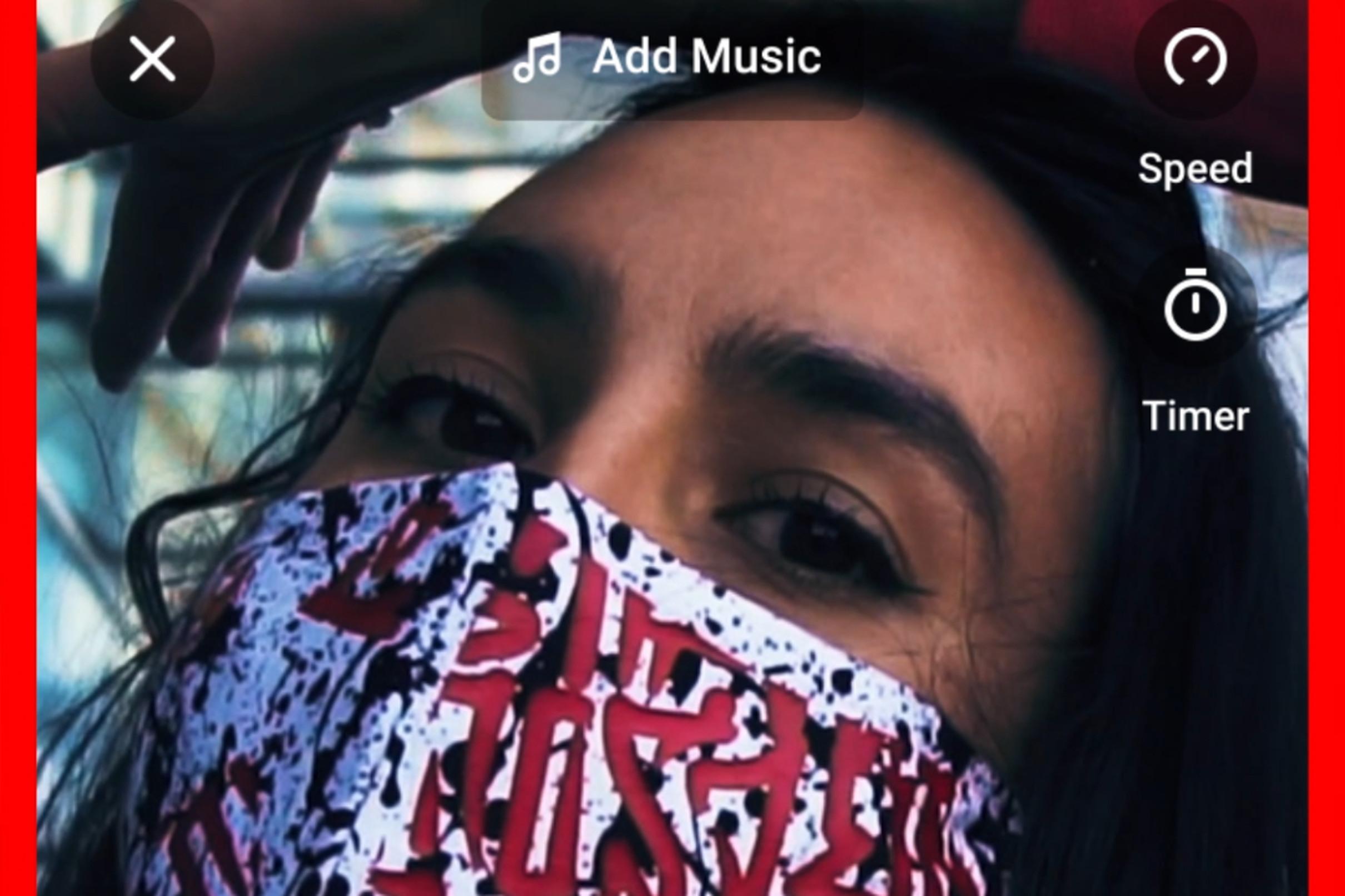 https://cdn.vox-cdn.com/thumbor/_riQV-hJIjIunv0m2bNhS7HSm6Q=/0x0:1080x866/2420x1613/filters:focal(454x780:626x952)/cdn.vox-cdn.com/uploads/chorus_image/image/67403091/youtube_shorts_photo.0.png