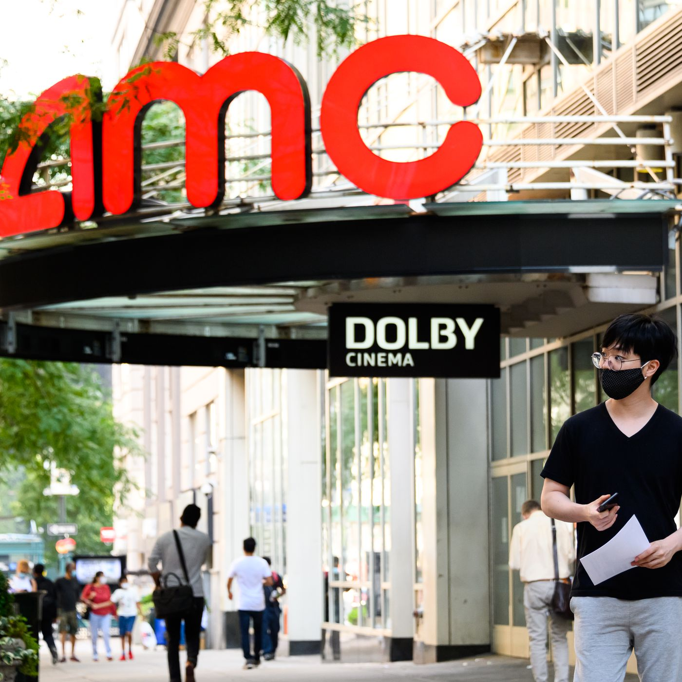 Amc Theaters Plans To Reopen More Than 100 Locations In The Us Starting August 20th The Verge