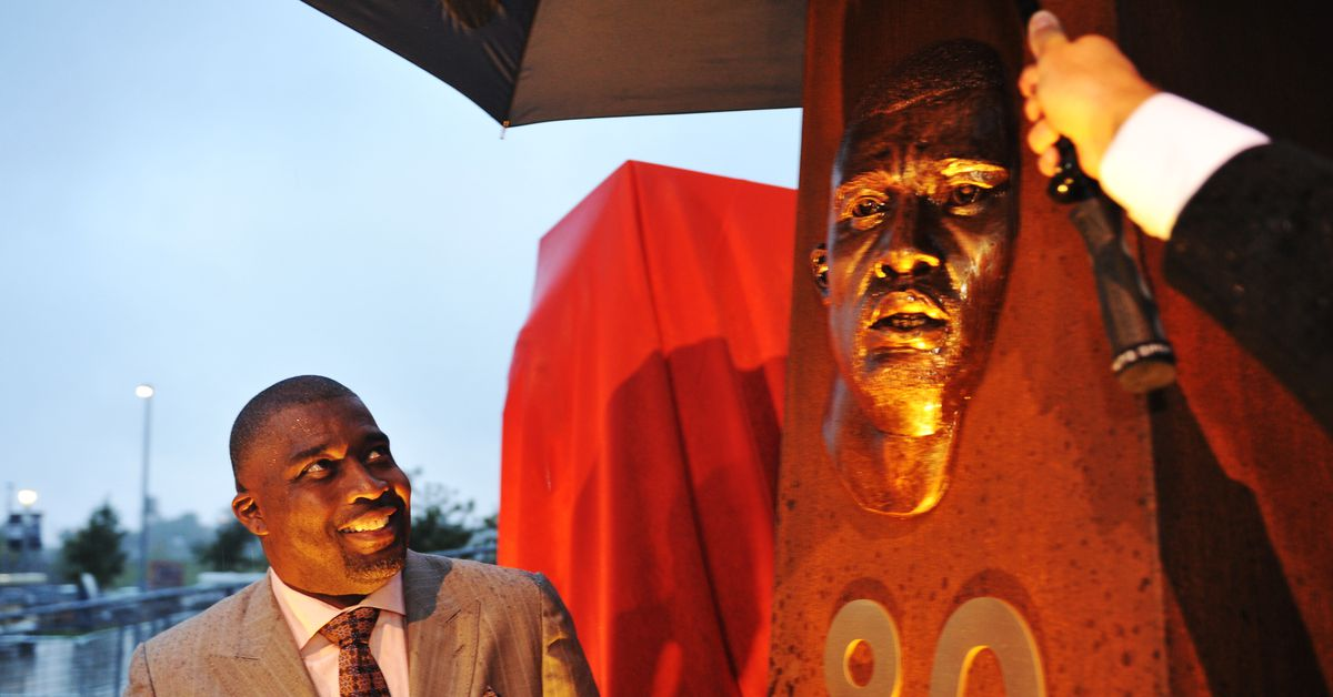Seriously, why hasn't Broncos Rod Smith sniffed the Hall of Fame?
