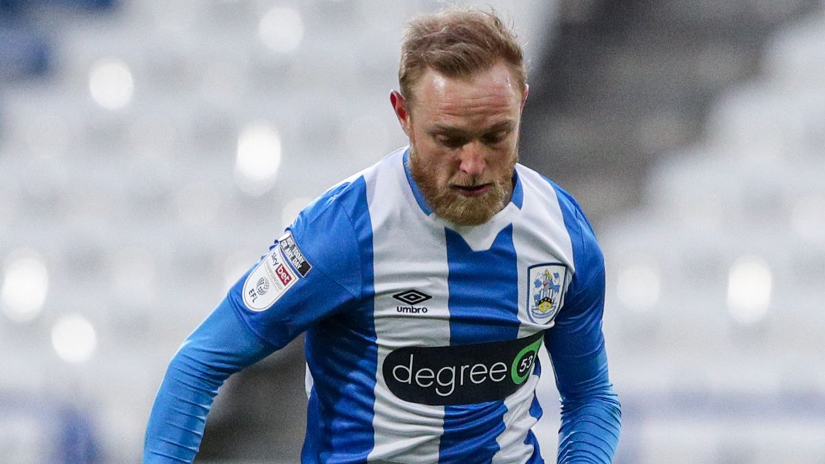 Huddersfield Town v Wycombe Wanderers - Sky Bet Championship