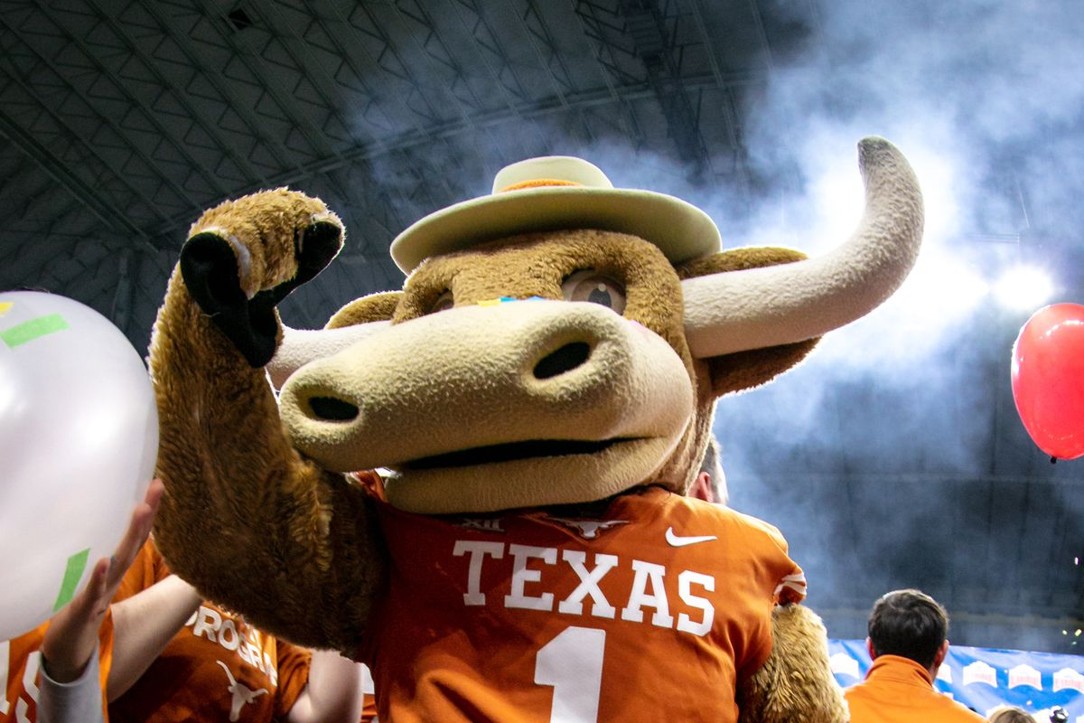 Texas adds Louisiana-Monroe, Wyoming, Texas State to upcoming football schedules