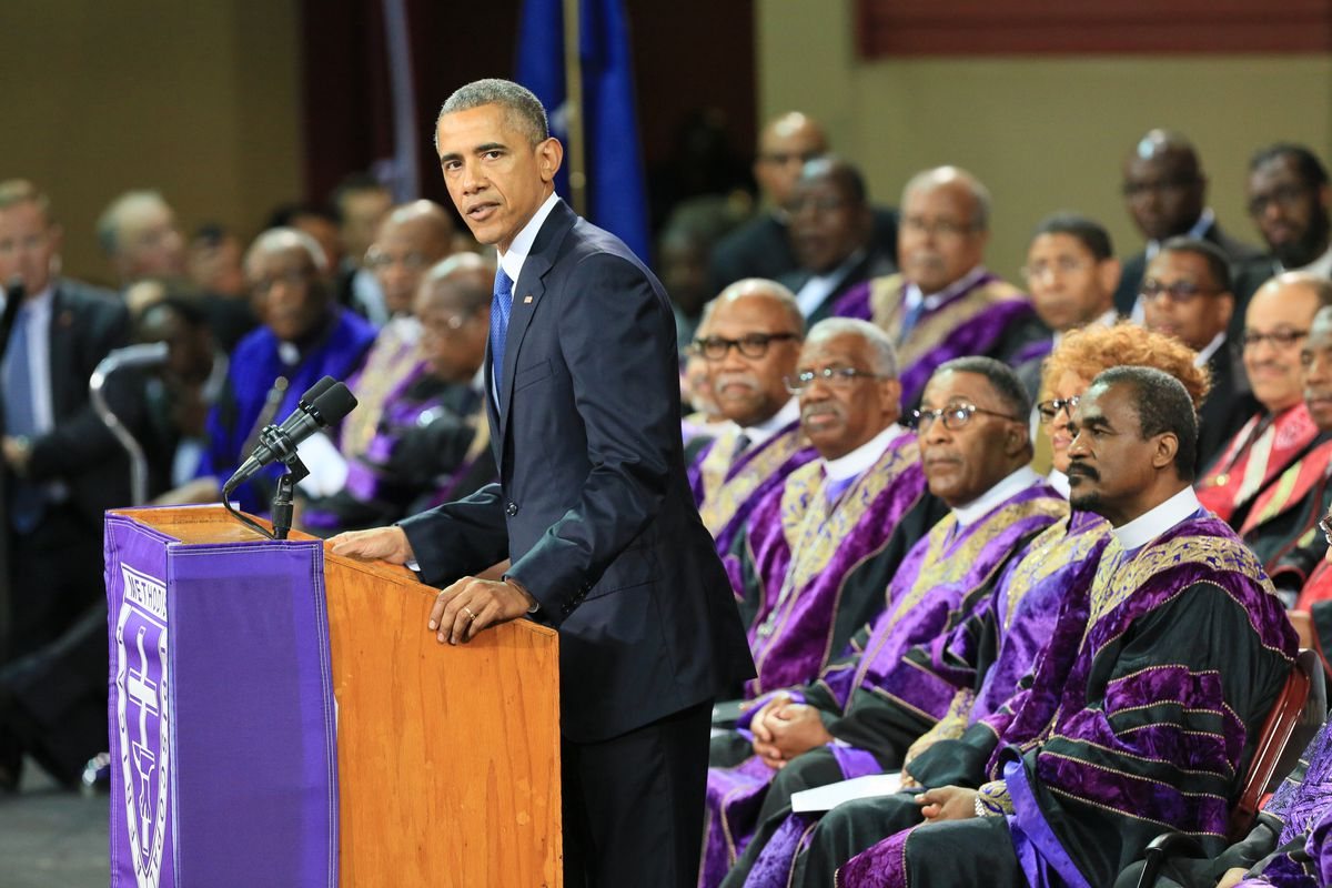 Obama Just Sang Quot Amazing Grace Quot In His Eulogy For