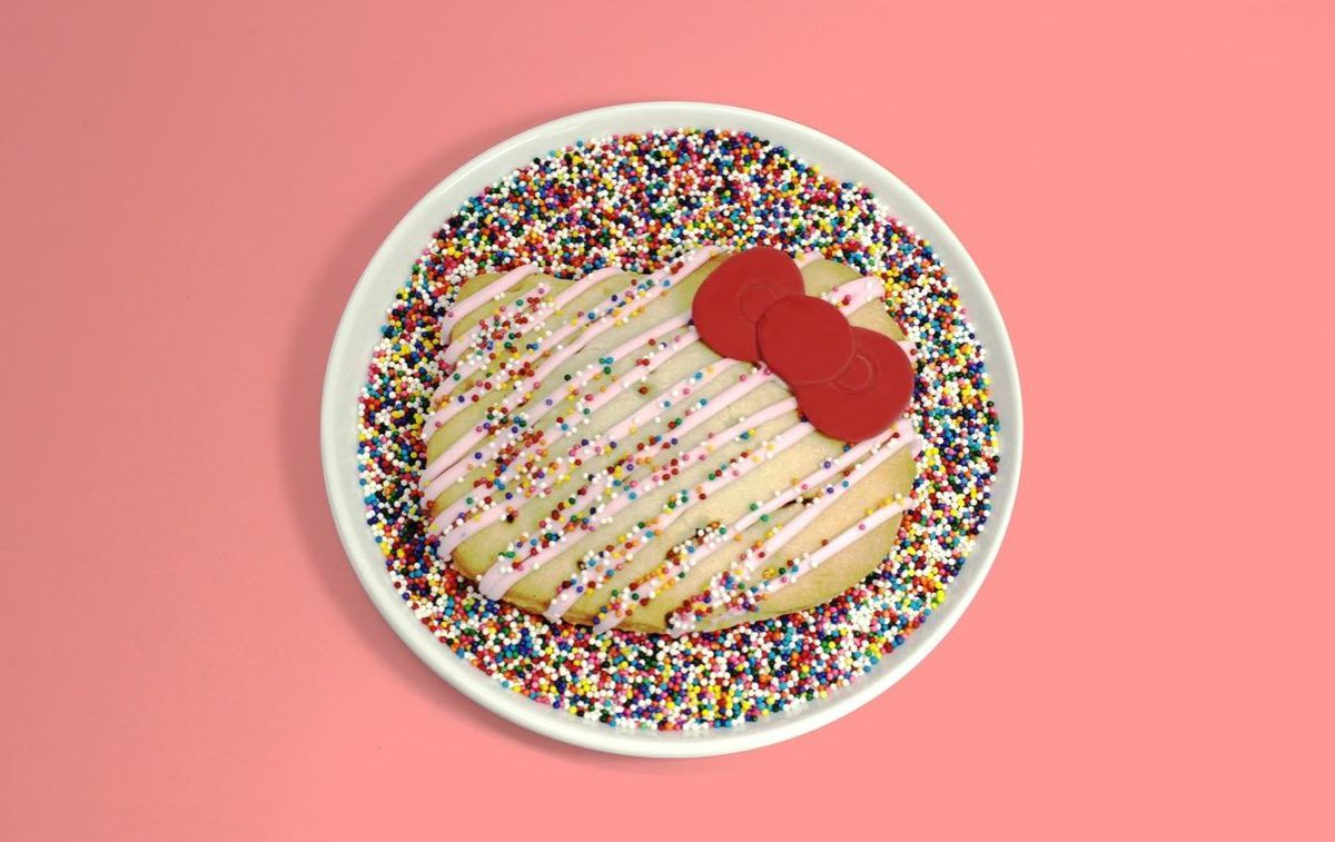 Hello Kitty Cafe cookie