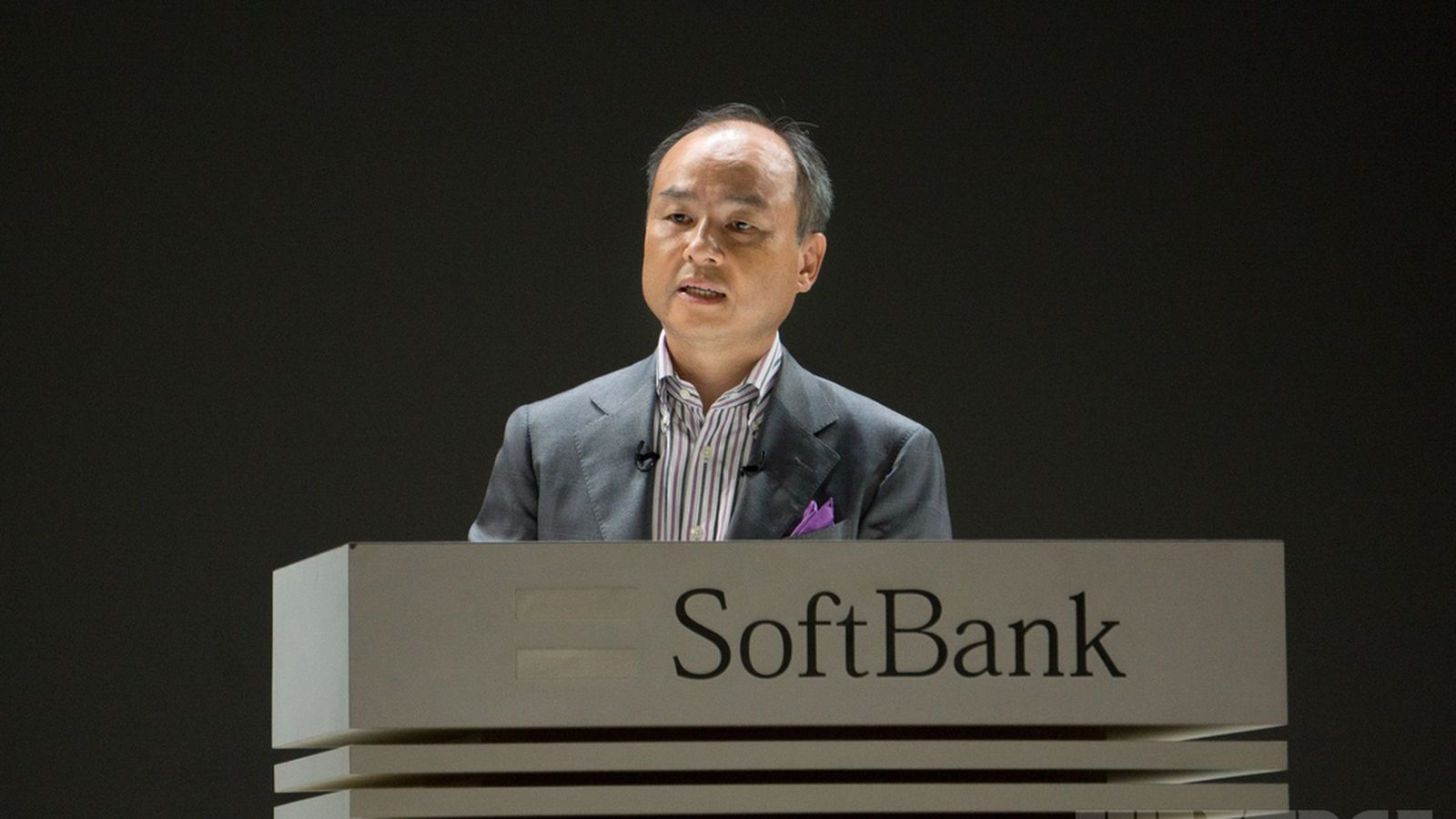 softbank ceo touts 4g expertise as major advantage in. Black Bedroom Furniture Sets. Home Design Ideas