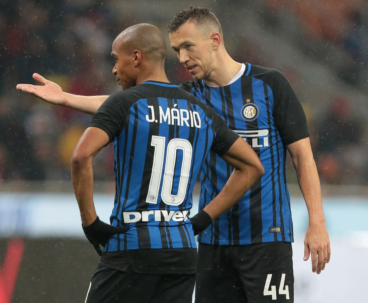 Mário quickly fell out of favour after an expensive transfer to Inter
