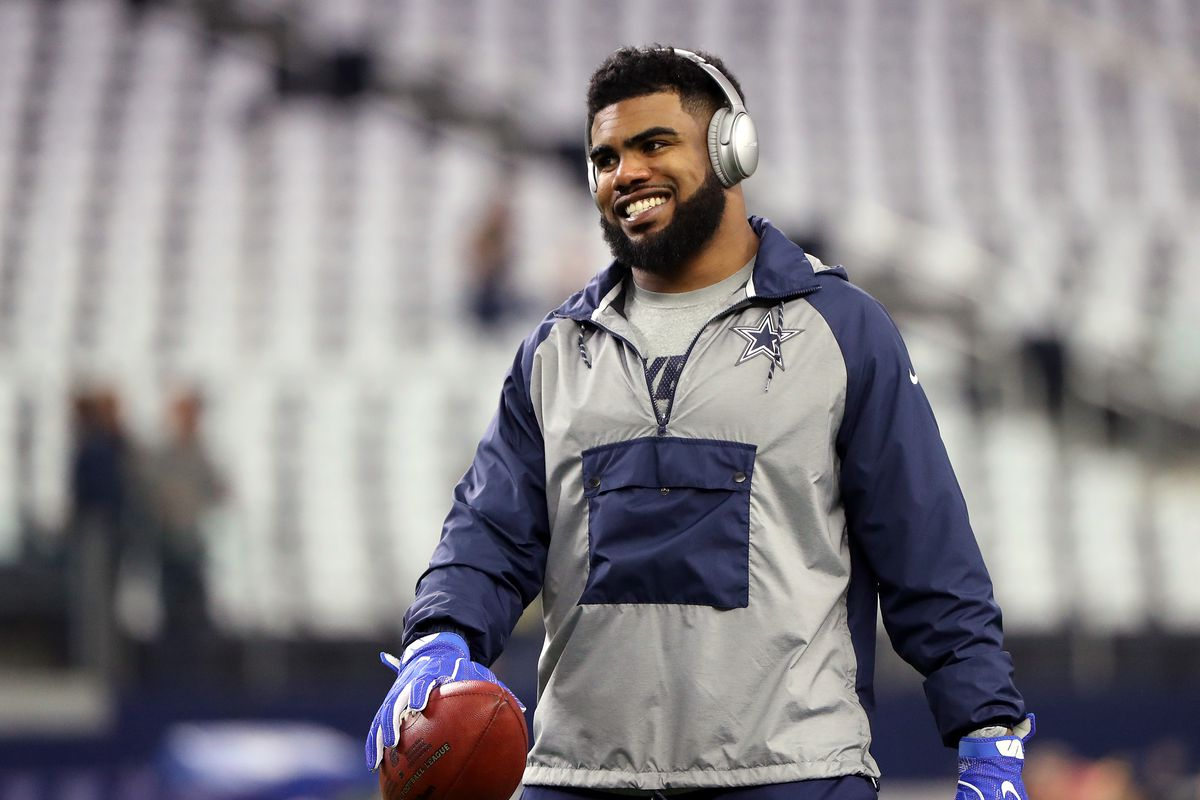 Cowboys RB Elliott Involved In Crash, Works From Sidelines At OTA