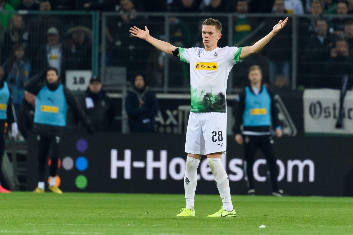 Matthias Ginter of Borussia Moenchengladbach gestures during the Bundesliga match between Borussia Moenchengladbach and Borussia Dortmund at Borussia-Park on March 7, 2020 in Moenchengladbach, Germany.