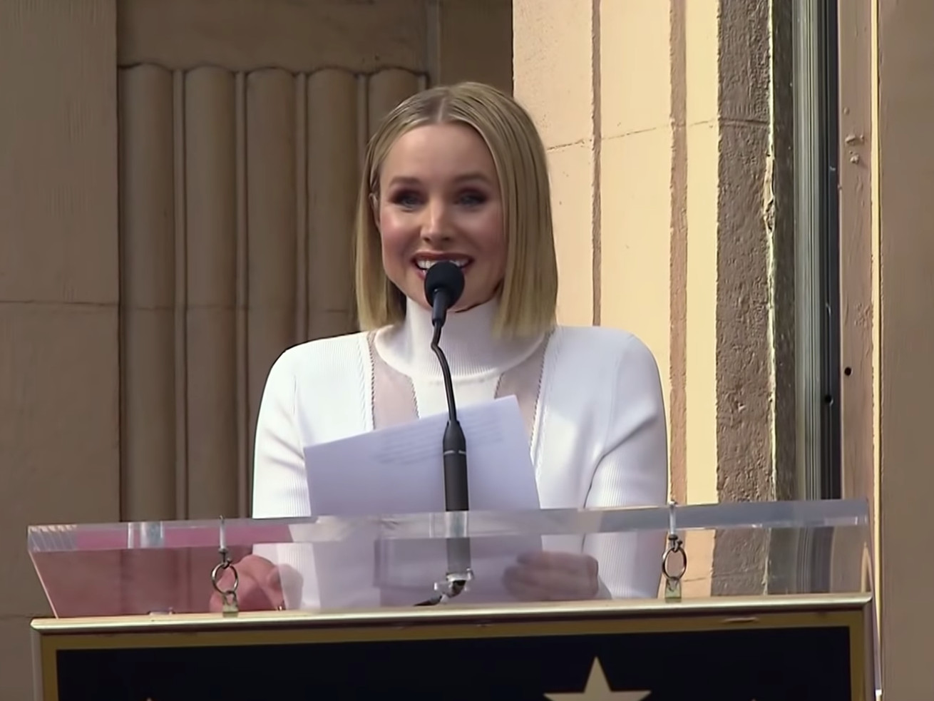 Kristen Bell Got Her Own Hollywood Star And Her Speech Was Amazing